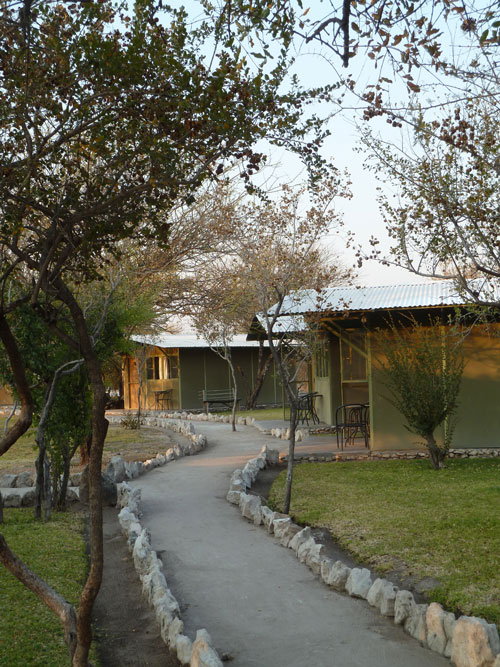 TUCSIN Tsumkwe Lodge: view of the cabins, accommodation